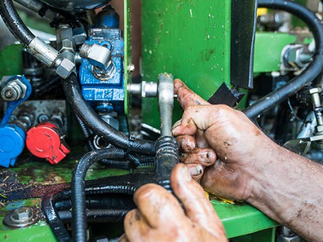 Bienvenue sur le site de l'entreprise de mécanique agricole basée à Saint-Etienne-la-Thillaye